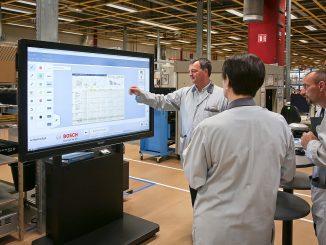 Ecran tactile connecté Usine du futur Bosch Mondeville.