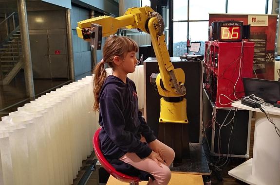 Numérisation optique d'un visage par un robot
