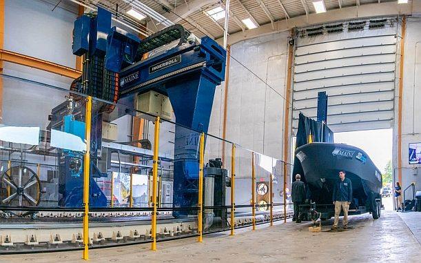 Bateau de 25 pieds produit en procédé de fabrication additive (impression 3D) par UMaine.